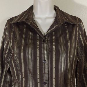 Textured Vertical Striped 3/4 Sleeve Button Down